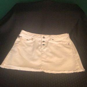 Bongo white denim skirt. EUC